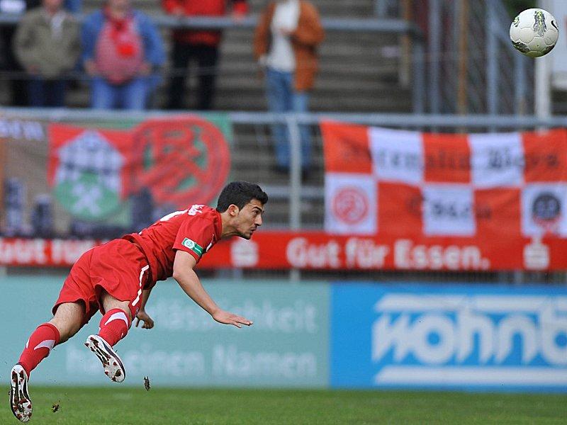 Kaya stürmt für den KFC - Regionalliga - kicker