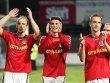 Seit f�nf Spielen ungeschlagen: der VfB mit Dennis Wehrendt, Marcello Meyer und Moritz Marheineke (v.l.).