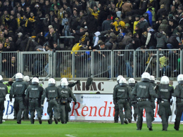 Aachen verh�ngt Stadionverbote