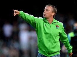 Legt Adrian Dußler einen Abschied nahe: Schweinfurts Trainer Gerd Klaus