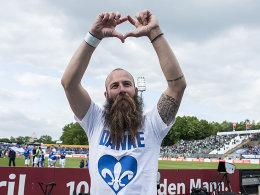 """Da steht """"Danke"""" unterm Bart: Marco Sailer landet in Nordhausen."""
