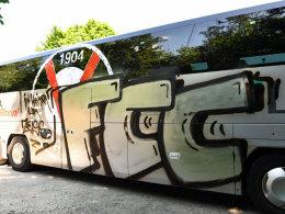 Böse Überraschung: Viktoria-Bus in Weimar beschmiert