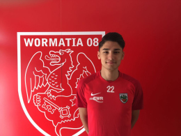 Wormatia Worms verstärkt Defensive