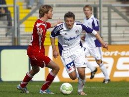 Marinko Ruzic (r.) mit Daniel Hintzke (TSV Havelse)