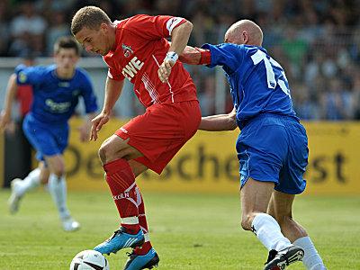 Lukas Podolski gegen Holger Willms