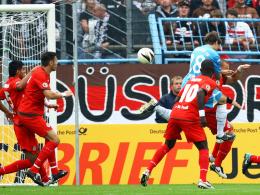 Kopfball ins Glück: Richter bringt Chemnitz entscheidend mit 1:0 gegen St. Pauli in Front.