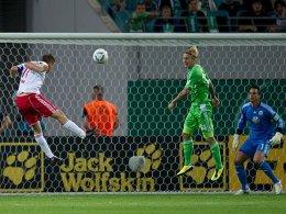 Daniel Frahn trifft gegen Wolfsburg zum 3:2.