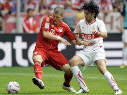 Serdar Tasci (re.) vs. Bastian Schweinsteiger