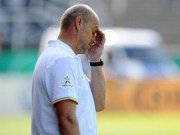 Erneute Pokalpleite: Wie schon im Vorjahr schied Thomas Schaaf mit Werder Bremen gegen einen unterklassigen Gegner aus.