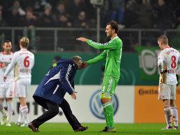 Der BVB �berf�hrt 96 - VfB schleppt sich weiter