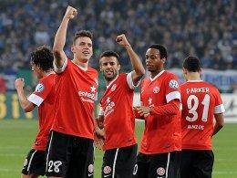 Mainz gewinnt dank Treffer von Caligiuri und Müller bei Königsblau.