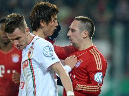 Franck Ribery langt Ja-Cheol Koo ins Gesicht