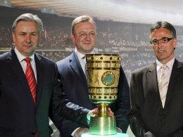 Helmut Sandrock, Innensenator Frank Henkel und Klaus Wowereit (v.r.n.l.)