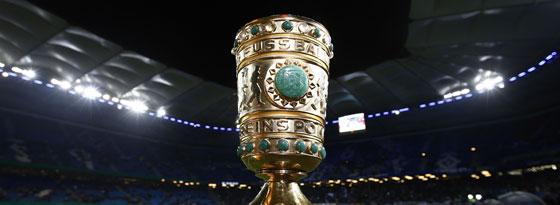 Um diesen Pott geht es am 17. Mai in Berlin, zunächst steht noch das Halbfinale an.