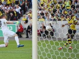 Das zwischenzeitliche 2:0 für den BVB in Stuttgart: Pierre-Emerick Aubameyang schießt ein