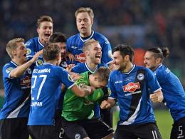 Der Bielefelder Jubel nach dem Pokalsieg gegen Gladbach im Elfmeterschießen war groß.