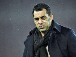 Wirkte nach dem Viertelfinal-Einzug nicht allzu glücklich: VfB-Sportdirektor Robin Dutt.