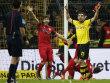 Neue Aufreger im Viertelfinale? Stuttgarts Emiliano Insua und Dortmunds Sokratis.
