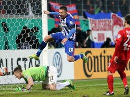 Sprung ins Halbfinale: Hertha-Doppeltorschütze Vedad Ibisevic.
