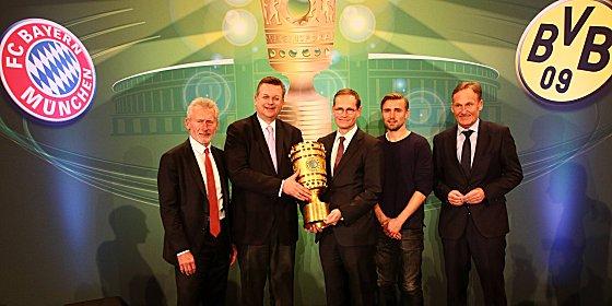 Cup Handover 2016 in Berlin