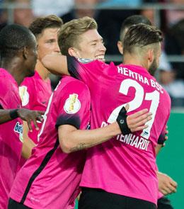 Blamage vermieden: Hertha BSC setzte sich im Elfmeterschie�en bei Jahn Regensburg durch.