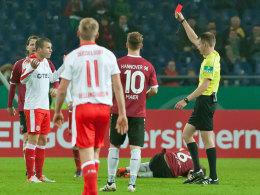 Fortunas Schmitz für drei Pokalspiele gesperrt