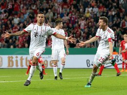 6:2 in Leverkusen! Bayerns Triple-Traum lebt