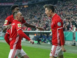 LIVE! Thiago erhöht per Kopf - Schalke desolat