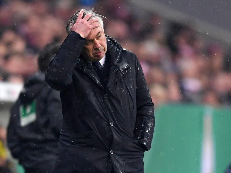 Fußball   Ancelotti kritisiert nach Ko Schiedsrichter