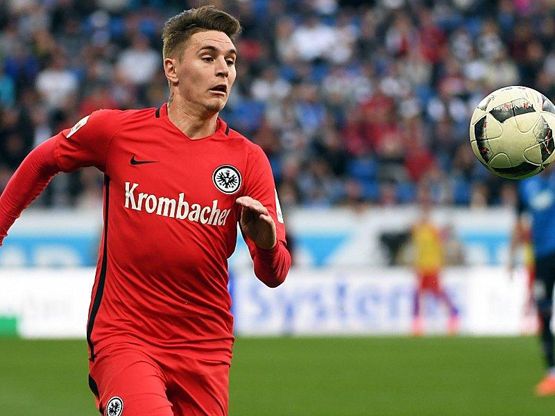Eintracht Frankfurt: Eintracht suspendiert Varela wegen Tattoo