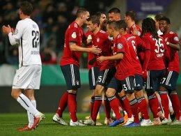 Bayern kommt mit blauem Auge davon - HSV weiter