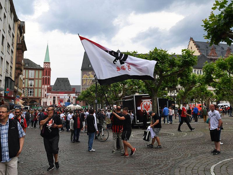 So feiert Frankfurt seine Pokal-Helden