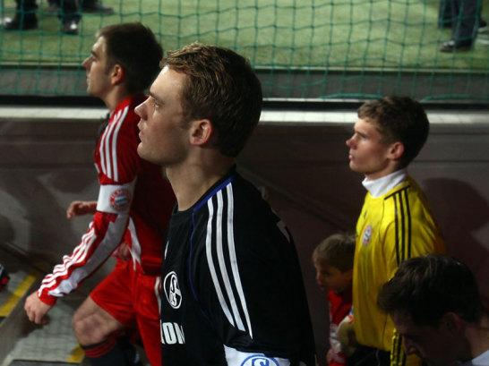Schalke-Keeper Manuel Neuer (M.) und Bayern-Schlussmann Thomas Kraft