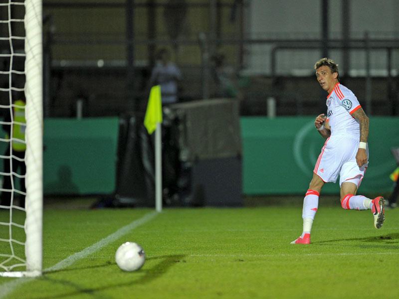 Mario Mandzukic, Neuzugang aus Wolfsburg, ließ gleich im ersten Pflichtspiel seinen Torriecher aufblitzen. Er machte bei Jahn Regensburg das 1:0.