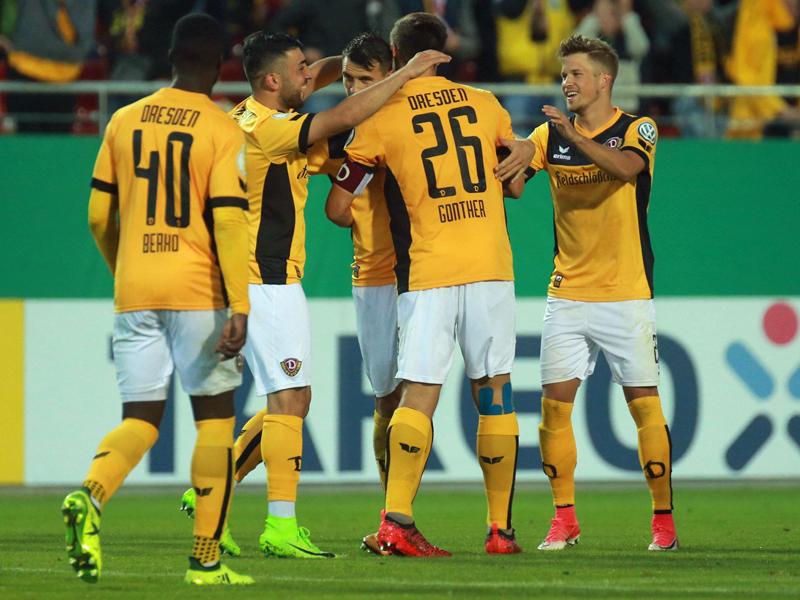 Dynamo setzt sich mit Glück gegen Koblenz durch