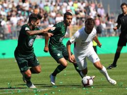 Ginczek köpft Wolfsburg eine Runde weiter