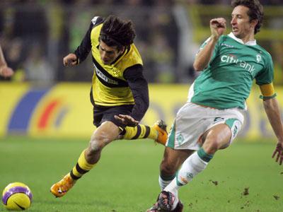 Dortmunds Valdez versetzt Bremens Kapitän Baumann