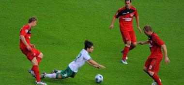 Diego gegen drei Leverkusener