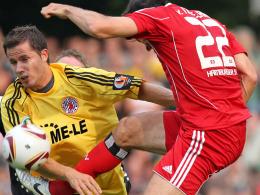 Keyser (li.) vs. van Nistelrooy