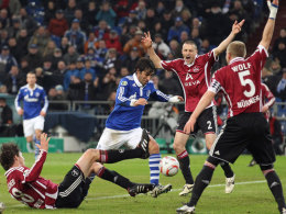 Einer gegen alle: Schalkes Raul.
