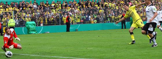 Lewandowski hat abgezogen, Ischdonat ist ohne Chance