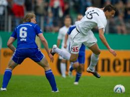 Martin Gries (li.) gegen Petar Sliskovic