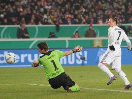 Ribery erzielt an Ulreich vorbei das 1:0