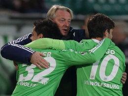 Lorenz-Günther Köstner, Fagner, Diego (alle VfL Wolfsburg)