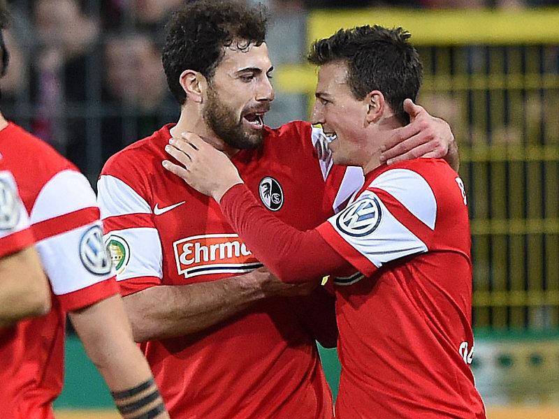 Freudige Freiburger: Admir Mehmedi (links) und Torschütze Vladimir Darida.
