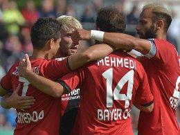 Chicharito bewahrt Leverkusen vor Fehlstart