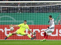 Blum schießt die Eintracht ins Halbfinale