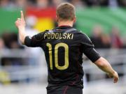 """Die deutsche Nummer """"10"""": Offensivspieler Lukas Podolski."""