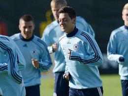 Mittendrin: Mesut Özil