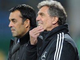Keine einfache Aufgabe bei der EM: U-21-Coach Rainer Adrion (re.).